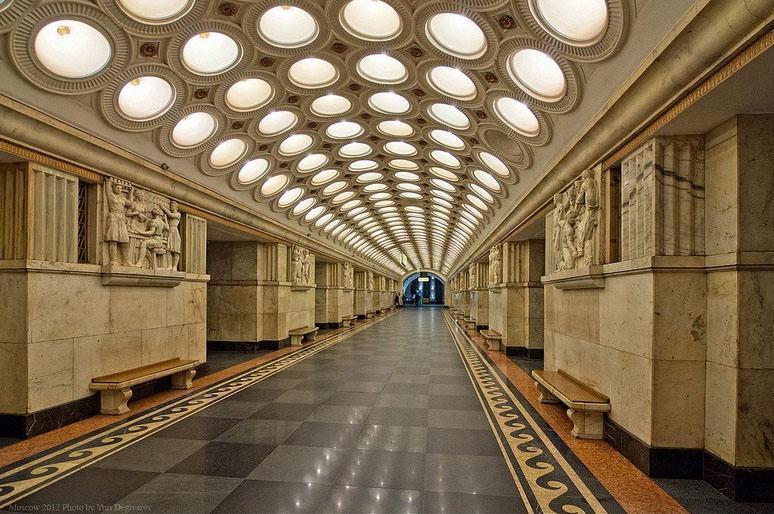 گالری هنری باورنکردنی در مترو مسکو در روسیه