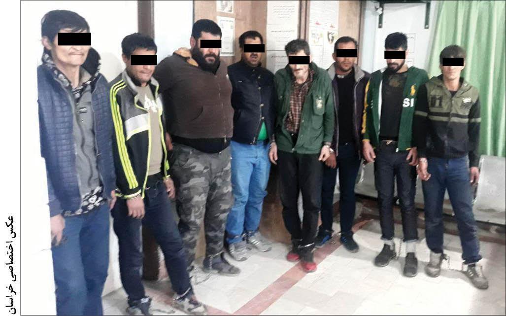 8 عضو باند سرقت در پاتوق سیاه