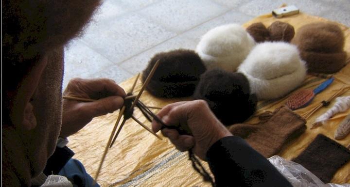 کلاه کرکی، صنایع دستی سنتی گرمه و جاجرم
