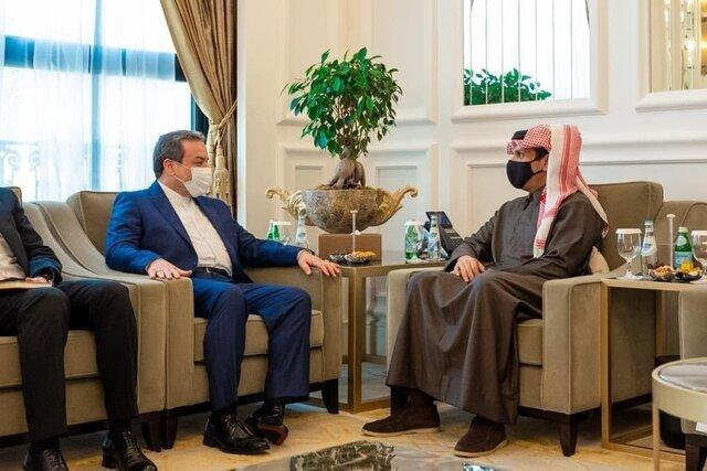 رایزنی عراقچی با وزیران خارجه و دفاع قطر در خصوص آخرین تحولات منطقه و تهدیدات موجود