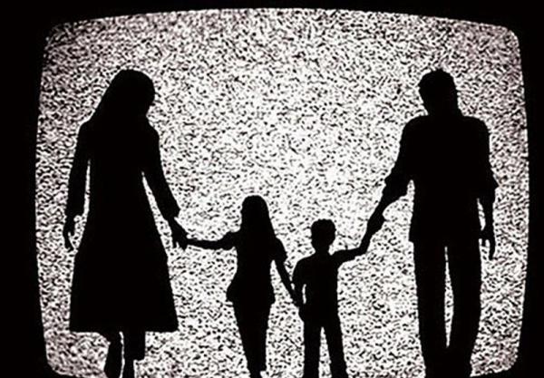 انتقاد خانم بازیگر از لاکچری بازی تلویزیون و نمایش خانگی، وقتی همه می خواهند به خانواده حمله نمایند