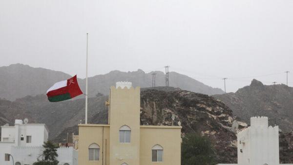 خبرنگاران عمان ورود مسافر از 10 کشور را تعلیق کرد
