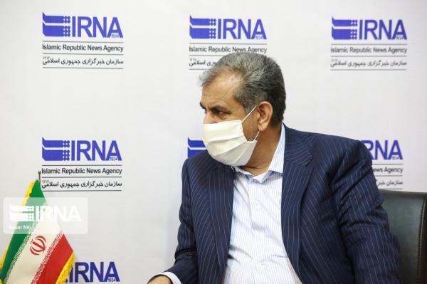خبرنگاران استاندار قزوین: زیرسوال بردن خدمات دولت بی انصافی است