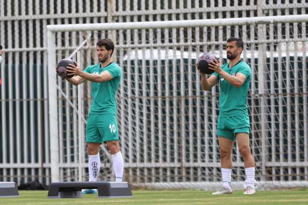 نخستین تمرین تیم ملی فوتبال ایران برگزار گردید خبرنگاران